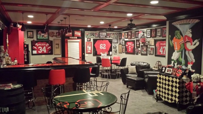 Uga Fan Has One Of The Most Amazing Man Caves Ever Field