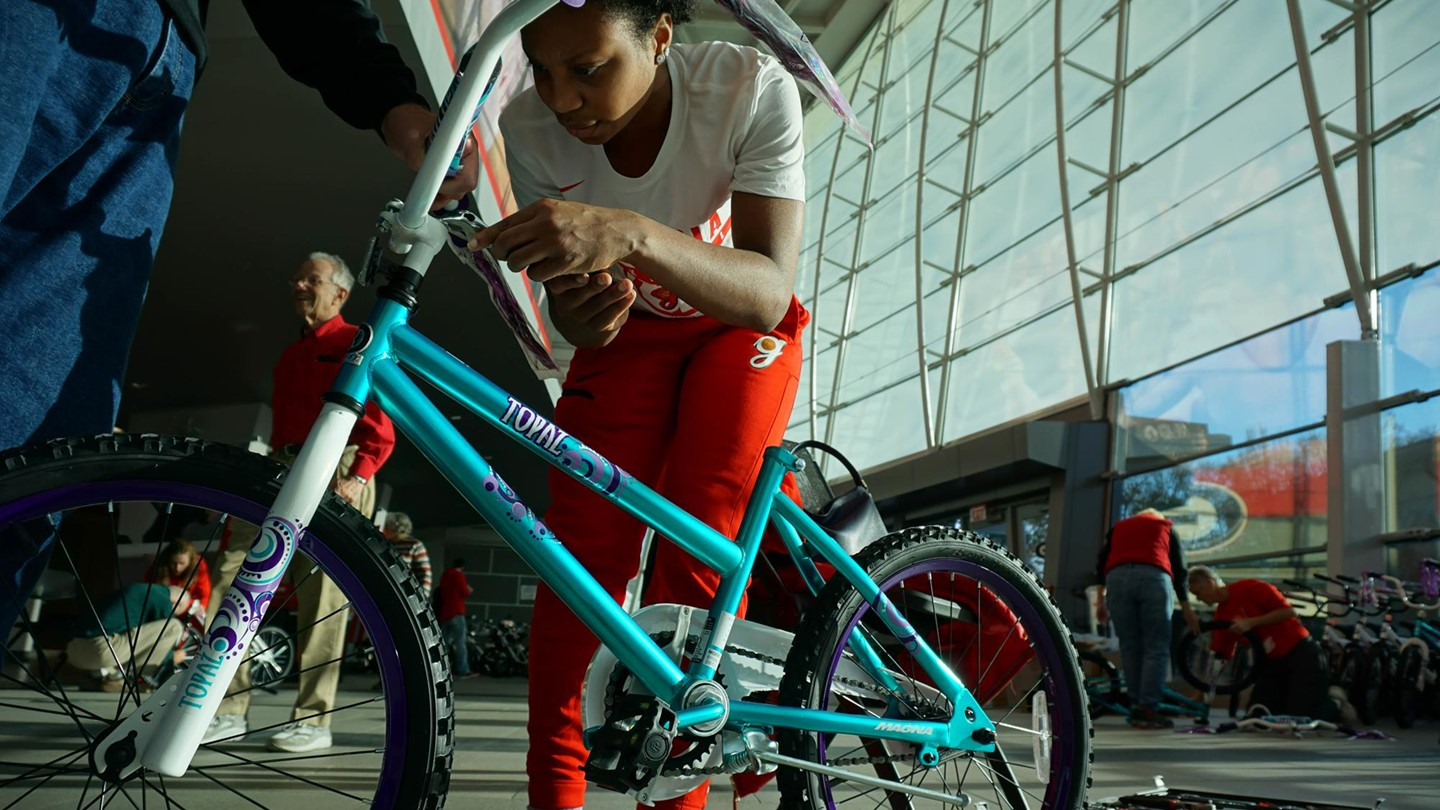 The Connection Athens Ga >> UGA Women's Basketball: Lady Bulldogs Build Bikes for Area Children – Field Street Forum