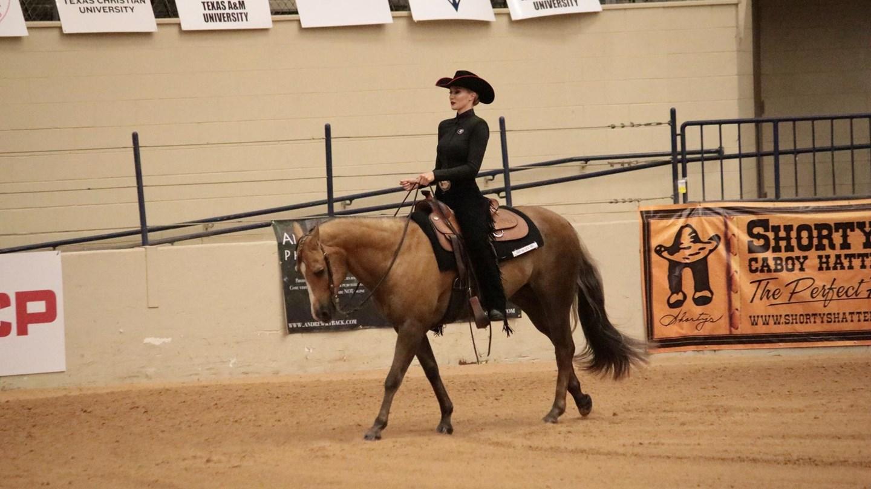 Uga Women S Equestrian Georgia Ends Season In Tight